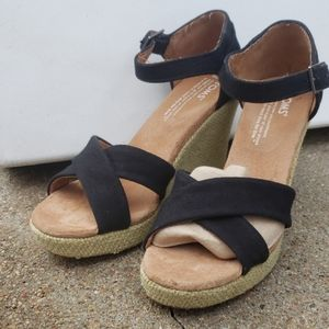 NWOT Toms Black Canvas Strappy Wedge